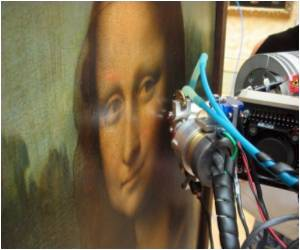 Da Vinci's Light Touch on Mona Lisa Revealed by X-ray