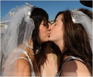 Poll Shows Most Australians See Gay Marriage Future