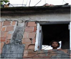 Pamphlet Outlining Rights Tells Brazil Slum Dwellers How to Deal With Police Abuse