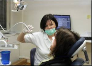 Parents Encouraged to Help Children Maintain Good Dental Health