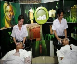 Cambodia PM Warns Women of Cosmetic Surgery Dangers
