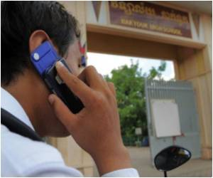 Cellphones Used to Cheat by Cambodian Students