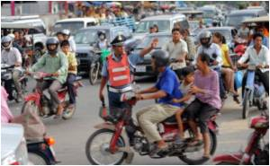 Attempt Being Made to Control Traffic Chaos in Cambodia