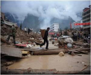 Dysentry Strikes in China After Mudslides