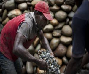 Eco-Friendly Gold Mining Benefits Deep in Colombian Jungle