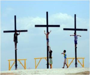 Good Friday Crucifixions in Philippines Amid Gory Scenes