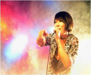 Female Rockers Front the China's Rock and Punk Scene