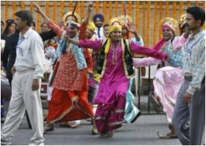 Fitness Enthusiasts Can Now Gear Up For Bollywood Style 'Masala Bhangra' Aerobics