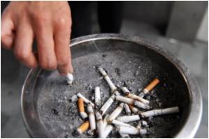Hong Kong Workers Fume Over Smoking Ban