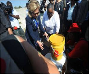 Hillary Clinton Visit to Haiti Cholera Clinic