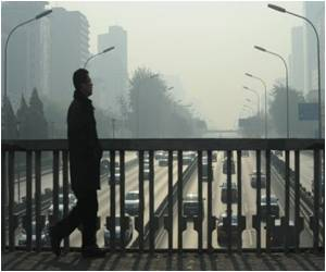 Beijing Air Standards Questioned as Smog Envelopes City