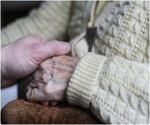 Study Says One in Three Seniors Dies from Dementia