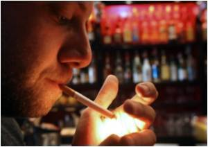 Low Peer Status in Adolescence Triggers Heavy Smoking Risk in Adulthood