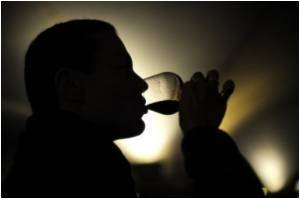 Binge Drinking Elevates Death Risk in People With Hypertension