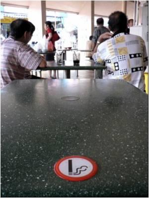 Singapore Extends Smoking Ban to Pubs, Nightclubs