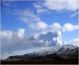 Aid to Tourism Industry for Volcano Crisis Offered in Iceland
