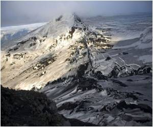 Antarctic Ice Sheet Holds a Record of 2,000 Years of Volcanic Eruptions