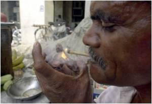 Life Span of 100 Million Indians Smoking Unfiltered Cigarettes Reduced by Two Decades