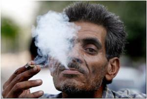 Older Smokers Lose Cognitive Function Faster