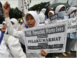 Hardliners Call for Sharia Law to Stop HIV Spread in Indonesia