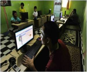 Ramadan Means a Crackdown on Porn for Indonesia