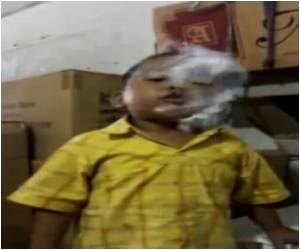 Smoking Toddler Presents Grim Picture of Indonesia's Tobacco Addiction
