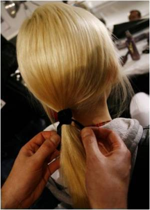 Experts Call for Ban on Hair Extension