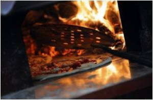 2,520-Calories Pizza Burger!