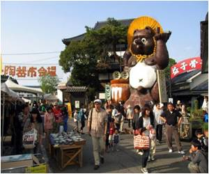 Pottery Town in Quake-Hit Japan Picking Up Pieces