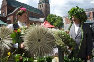 Recession Won't Stop Latvia's Midsummer Night Party