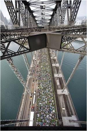 Thousands Join Picnic Breakfast on Sydney Harbour Bridge