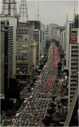 Majority of Sao Paulo Residents Wish to Leave the City