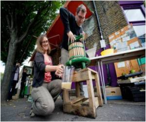Bountiful Urban Harvest Abounds from London's Fruit Trees