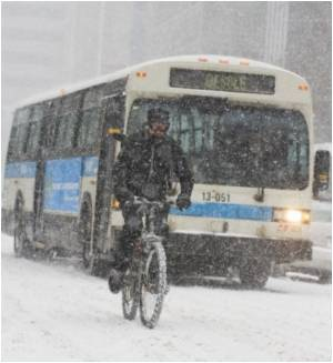 """Quebec Residents """"Winter Cycling"""" Despite Extreme Climate"""