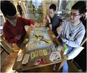 Board Games are Back! Chinese Web Junkies Learning to Offline