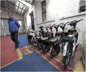 Environmentally Friendly Electric Bikes on a Roll in China