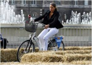 Sexual Dysfunction Risk for Women Riding Bicycles With Low Handlebars