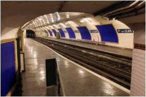 Paris's 'Ghost' Metro Stations Become Centre of Attraction for Tourists