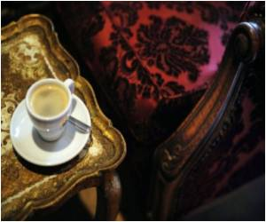 French Cafés in Deep Crisis
