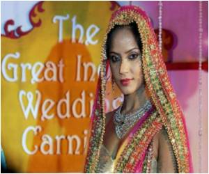 Bollywood On Hire At the New Bigger, Fatter Indian Wedding