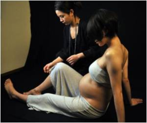 Photography Helps Japanese Women be Reborn in the Nude