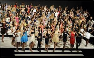 China Desert City Kicks Off Miss World Pageant
