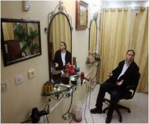 Male Hairdressers in Gaza Barred from Women's Salons