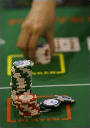 Compulsive Gamblers in Macau Lured by Elusive Luck