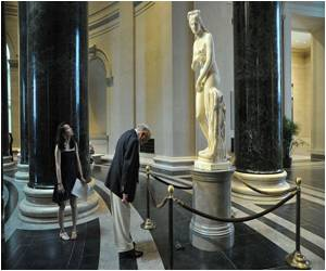 Polish City's New Statue Cuts the Urinating Lenin Down