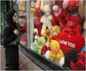 Valentine Gifts Selling Banned in Iran Shops