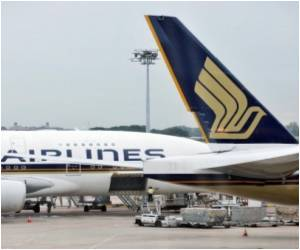Singapore Airlines Flight Indifferent to Plea for Landing from Heart Attack Victim