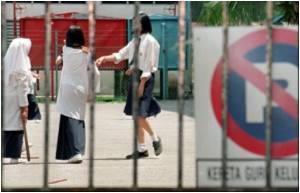 Malaysia Considers Caning for Unruly Schoolgirls: Reports