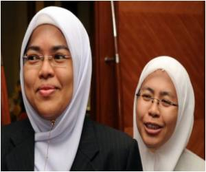 Malaysia's Women Islamic Judges Endowed With Equal Powers as Their Male Counterparts