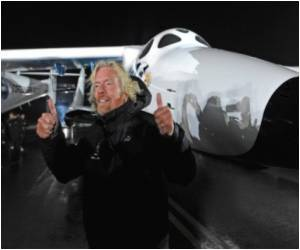 Branson Says Virgin to Launch Space Tourism in 18 Months